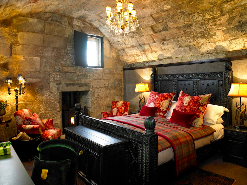 Luxe Bible's 3 UK Castles To Stay In: Borthwick Castle, Bedroom