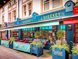 Luxe Bible Loves Seafood at J. Sheekey (Photo Credit: Paul Winch Furness)