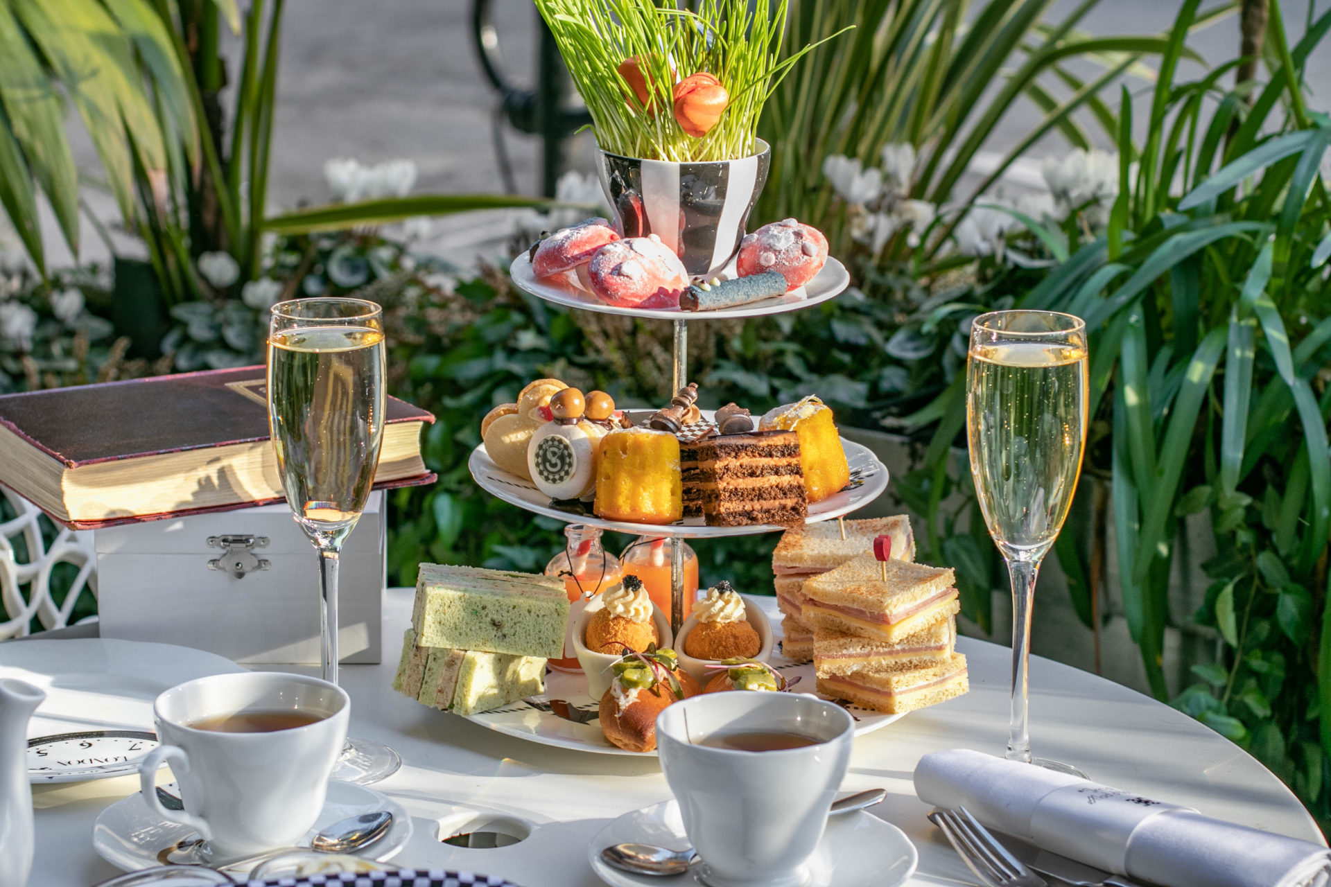 The Luxe Bible List of Where to Treat Mum this Mother's Day: Mad Hatter's Afternoon Tea at Sanderson London