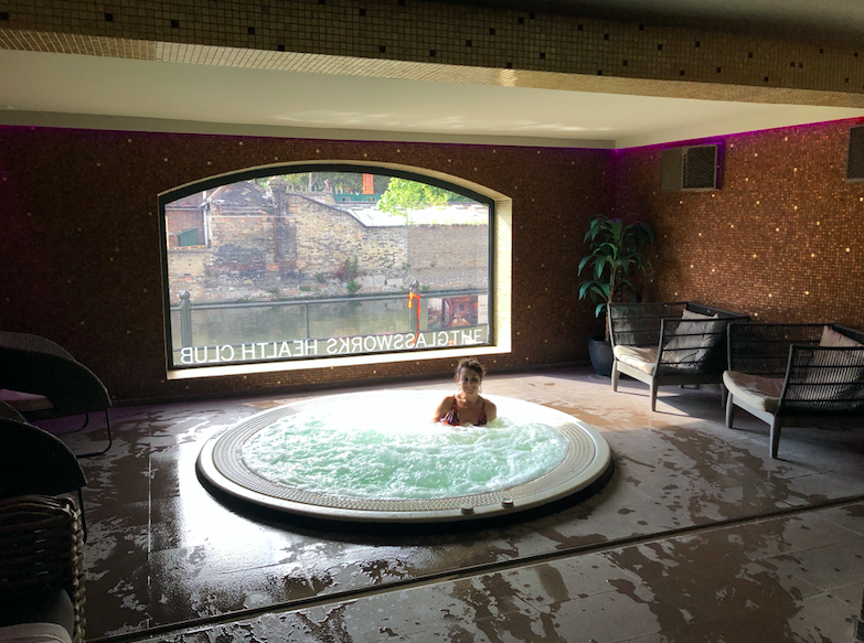 Luxe Bible Reviews The Varsity Hotel & Spa, Cambridge: Jacuzzi