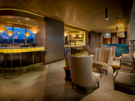 Celebrate Summer at Hilton Bournemouth: LEVEL 8IGHT SKY BAR