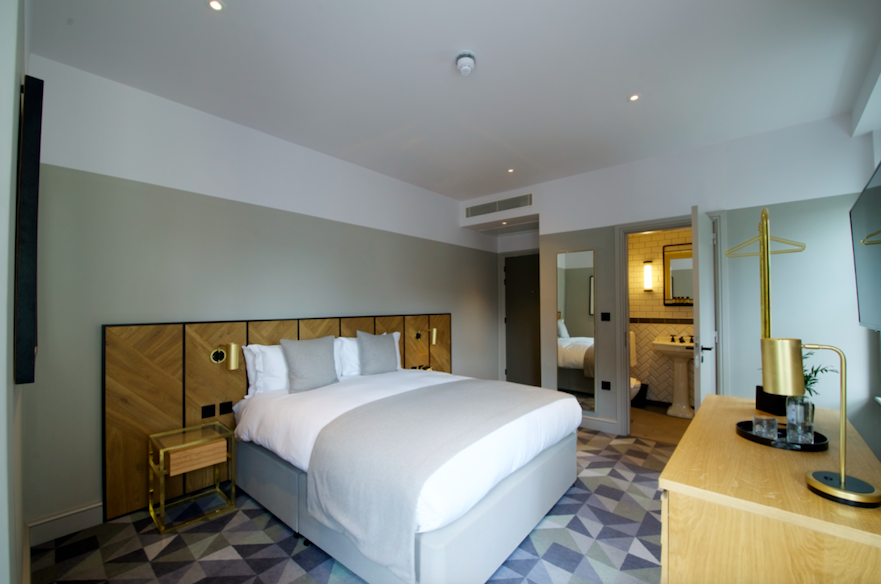 Victory House Hotel - Boutique Luxury in the Heart of Leicester Square: Executive Queen Room