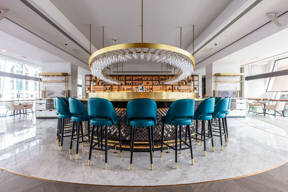 OMG, OTT & SATC all Rolled into One - VIVI Restaurant, Centre Point: VIVI Bar