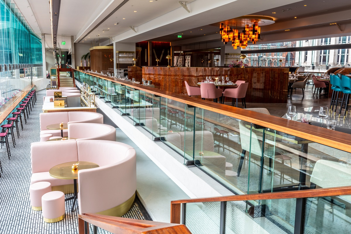OMG, OTT & SATC all Rolled into One - VIVI Restaurant, Centre Point: VIVI Liquid Lounge
