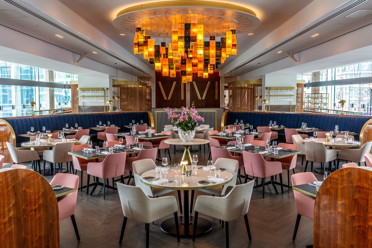 OMG, OTT & SATC all Rolled into One - VIVI Restaurant, Centre Point: Interior with Stunning Chandelier by Vibeke Fonnesberg Schmidt