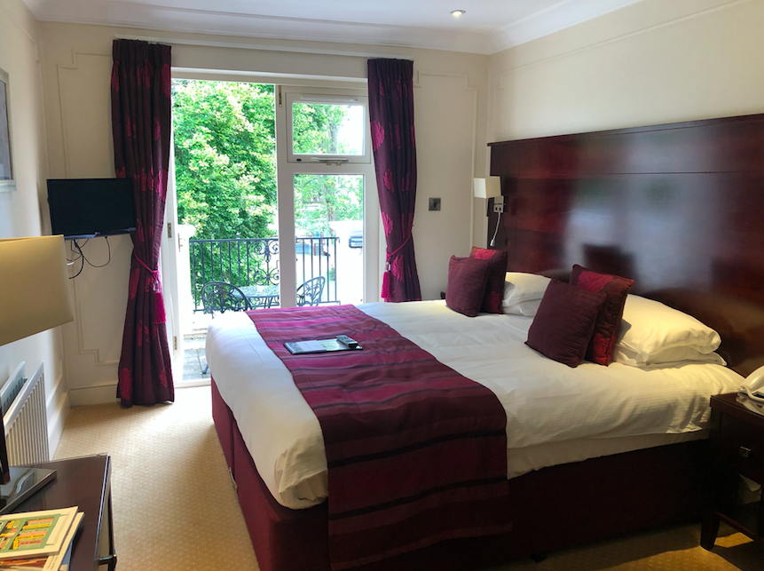 Fine Dining & Fancy Leisure Facilities at Phyllis Court, Henley on Thames: Rooms with Balcony