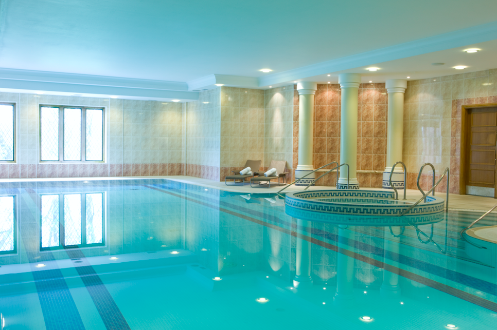 A Medieval, Majestic Moat House - New Hall Hotel & Spa: Swimming Pool