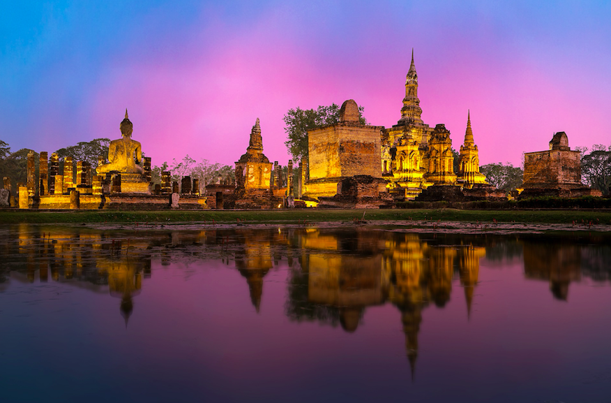 8 Travel Series to Take You Around the World (Without Moving from the Sofa) Thailand (Photo Credit: Sasin Tipchai, Pixabay)