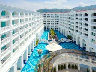 Thai Luxury - The Brand New Movenpick Myth Hotel Patong: Swimming Pool