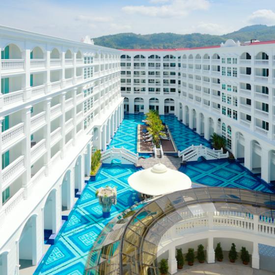 Thai Luxury - The Brand New Movenpick Myth Hotel Patong: Swimming Pool