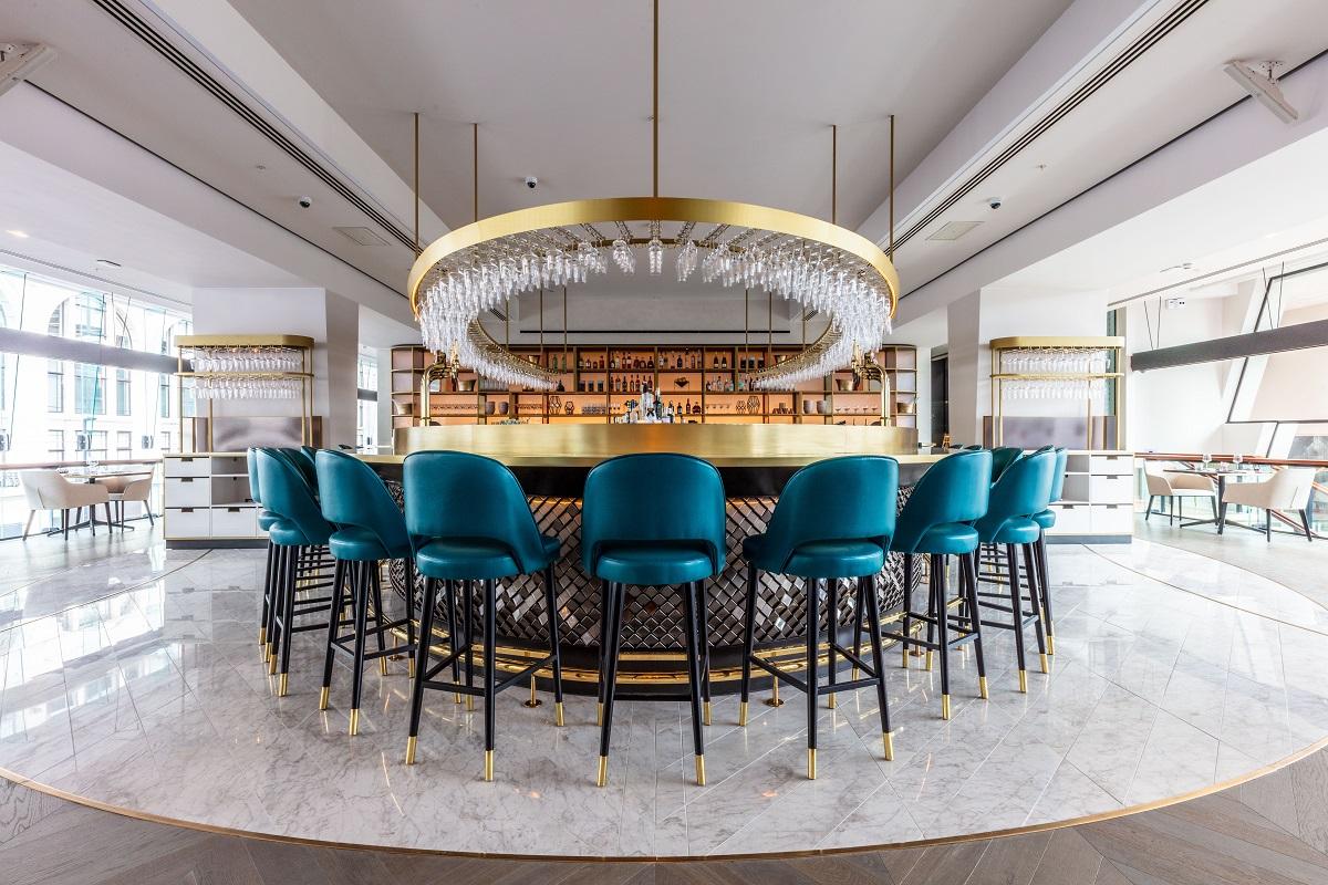 OMG, OTT & SATC all Rolled into One - VIVI Restaurant, Centre Point: VIVI Bar