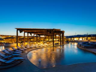 SantAnna Mykonos - For a Luxurious Beach Club Experience (Photo Credit: Pavlos Tsokounogloua)