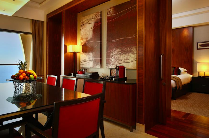 Five Star Luxury - The Amwaj Rotana JBR, Dubai: Suite