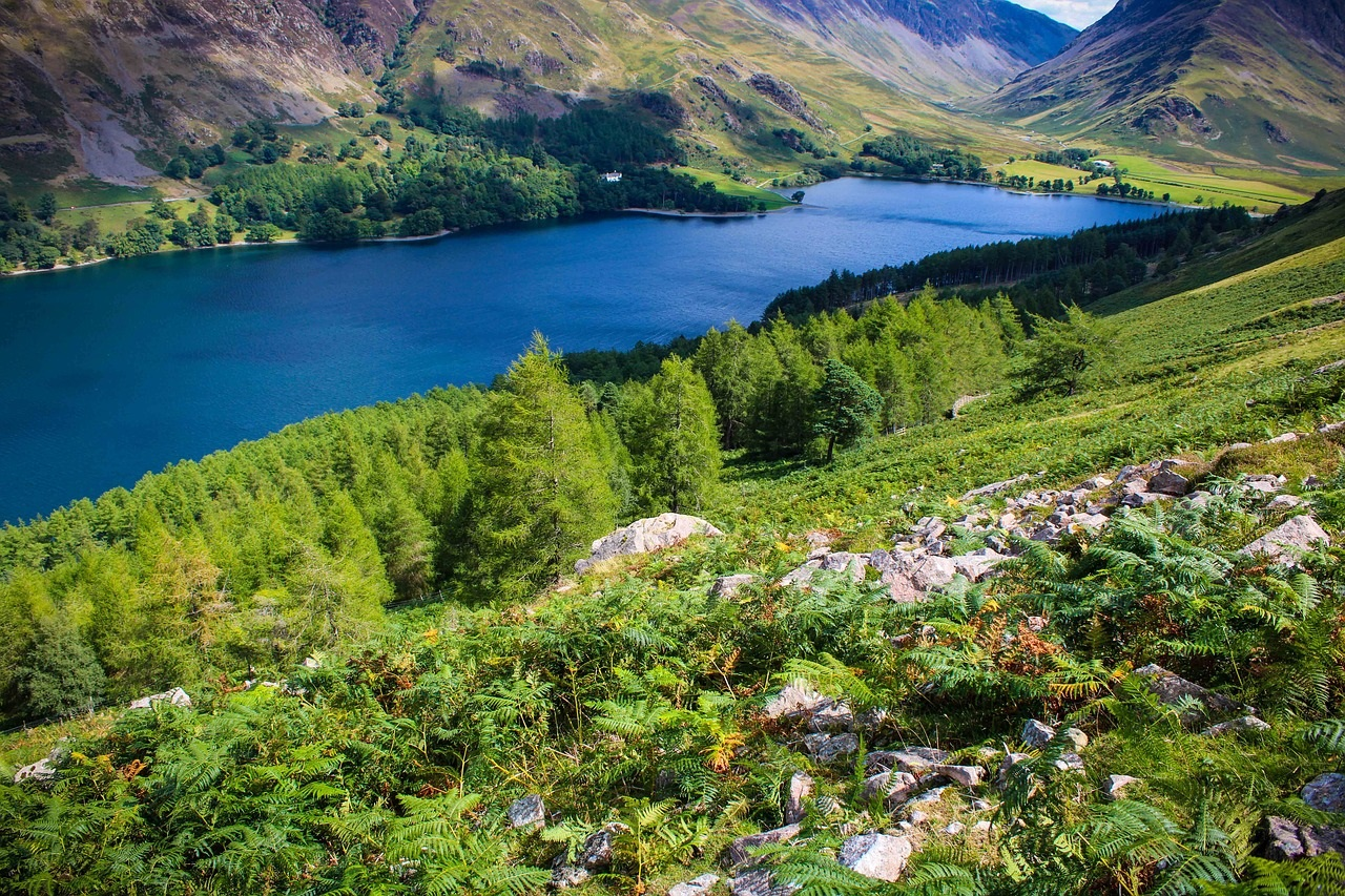 The UK's Top Ten Staycation Destinations: The Lake District in Cumbria (Photo Credit Peter Krothe - Pixabay)