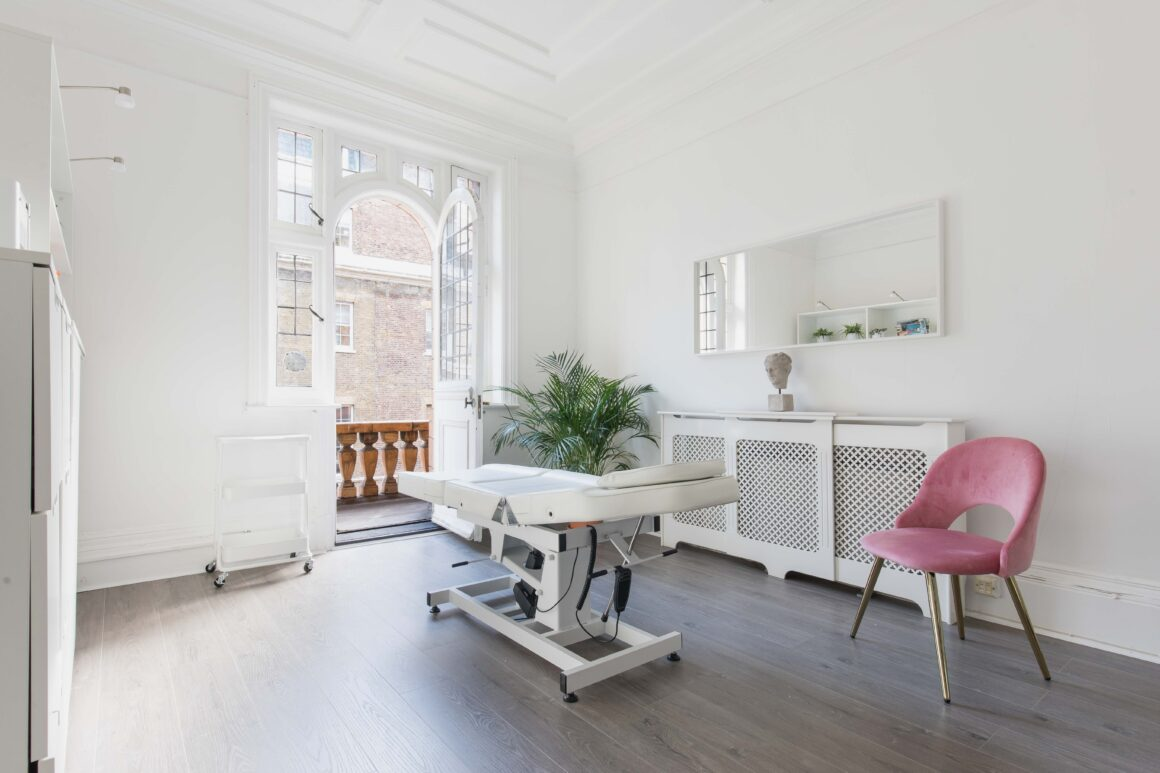 Dr Mahsa Saleki's Clinic at SAS Aesthetics, Harley Street