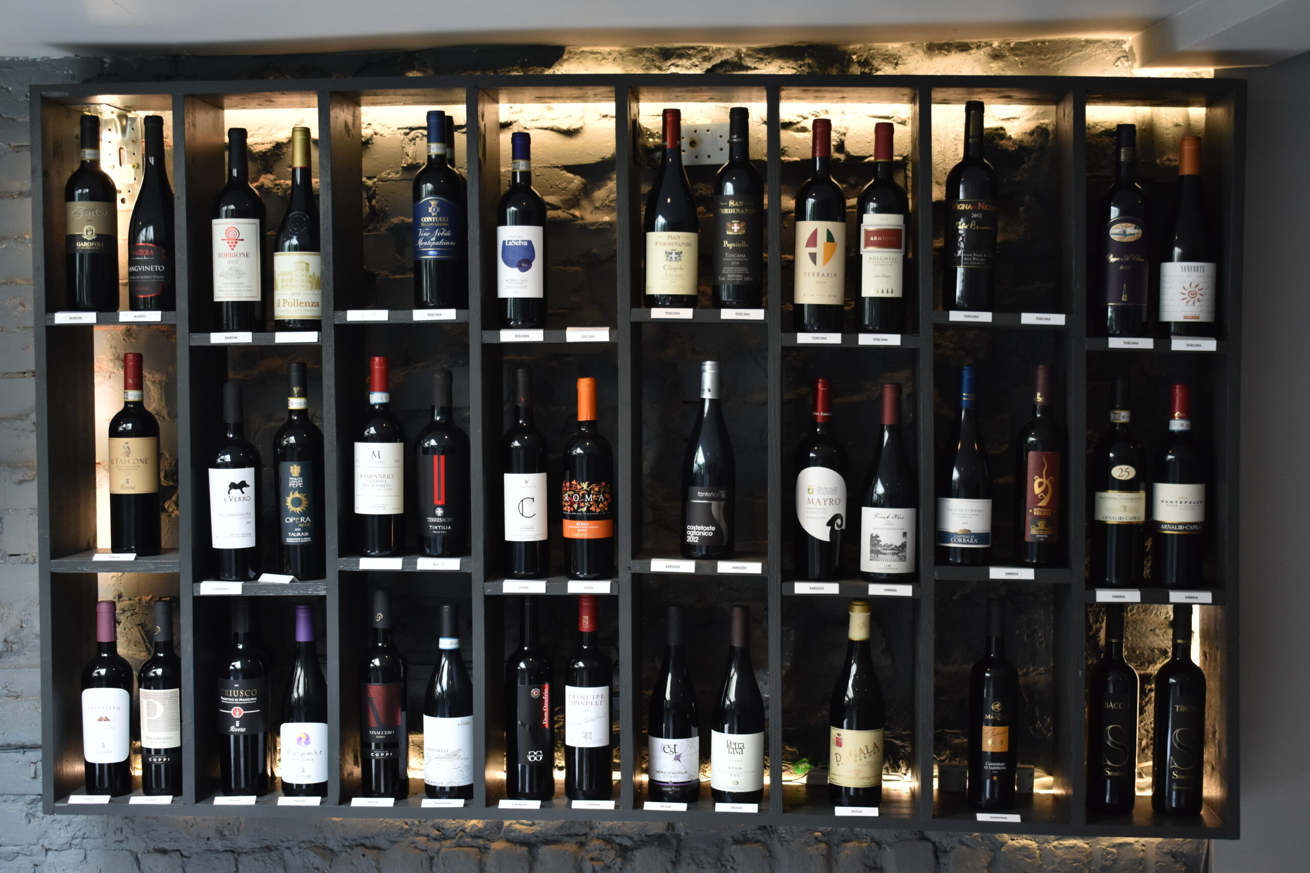 L'Artigiano - NEW Italian Fine Dining in Chelsea - If you're a wine fan, then you're in luck with a fully stocked cellar and 150 by the glass!