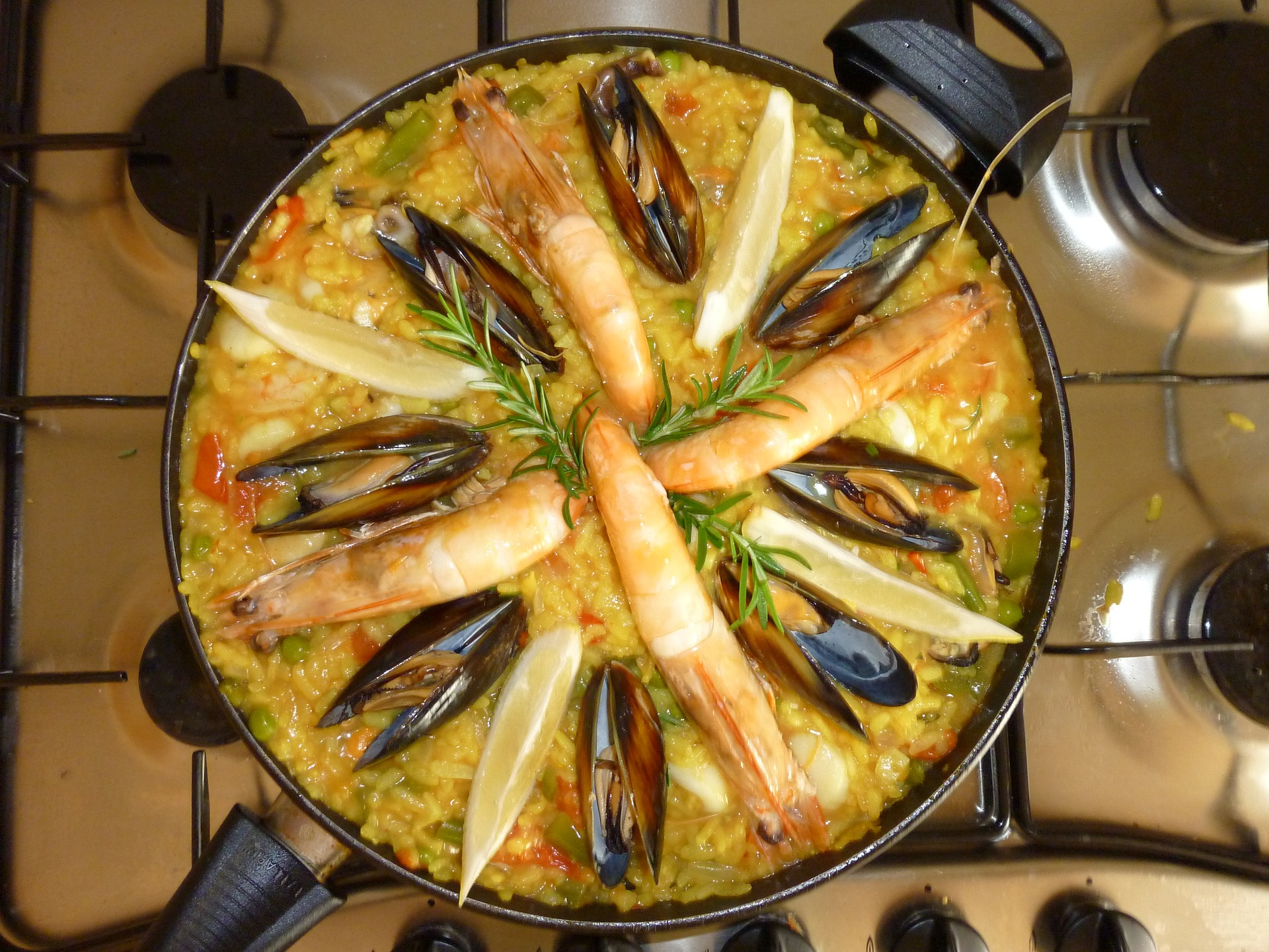 Country with The 3rd Most Instagrammable Food in the World: Spain - Paella (Photo Credit Pixabay: Skeeze)