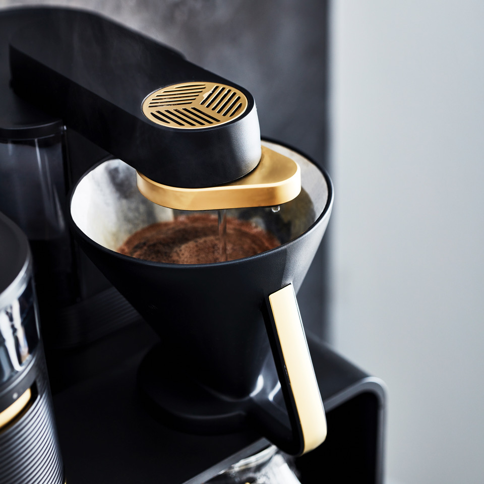 The Melitta EPOS has three strength levels and a modern touch panel