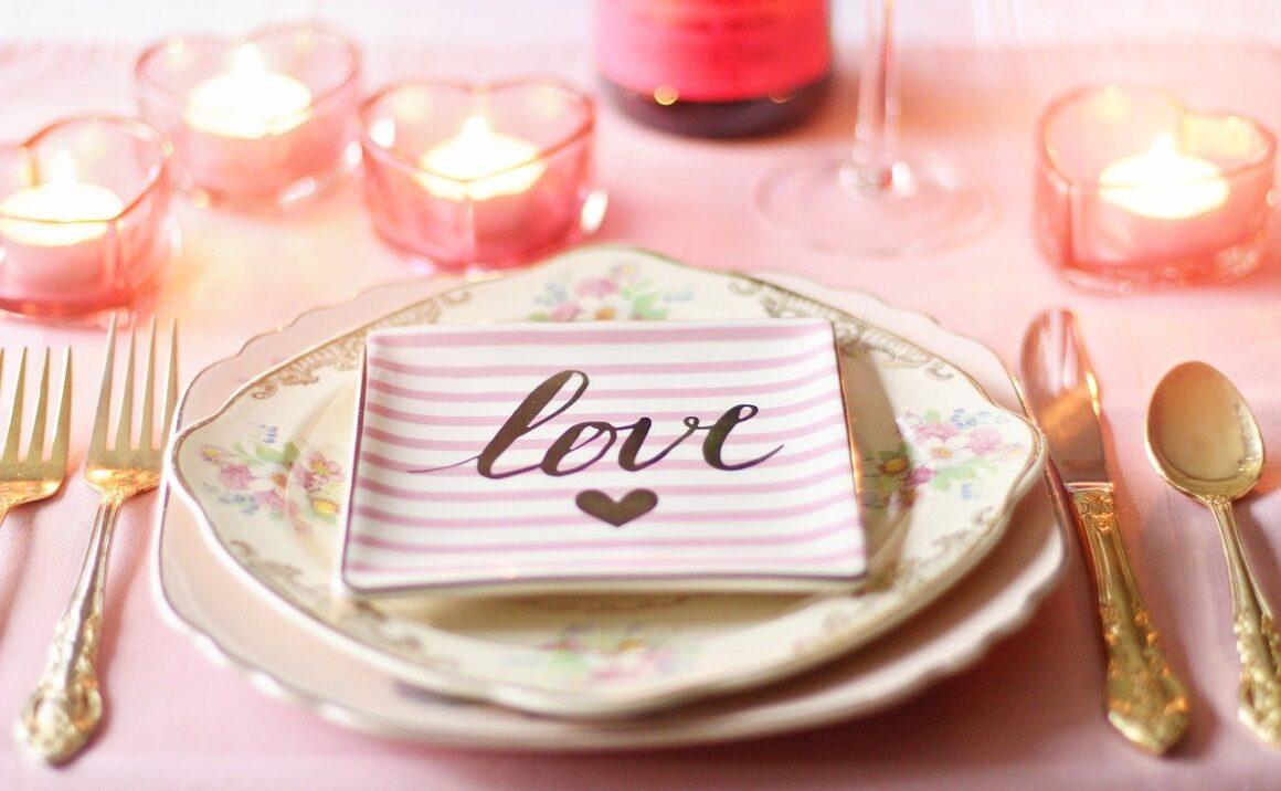 Valentine's Dinner Image (Image by Terri Cnudde from Pixabay)