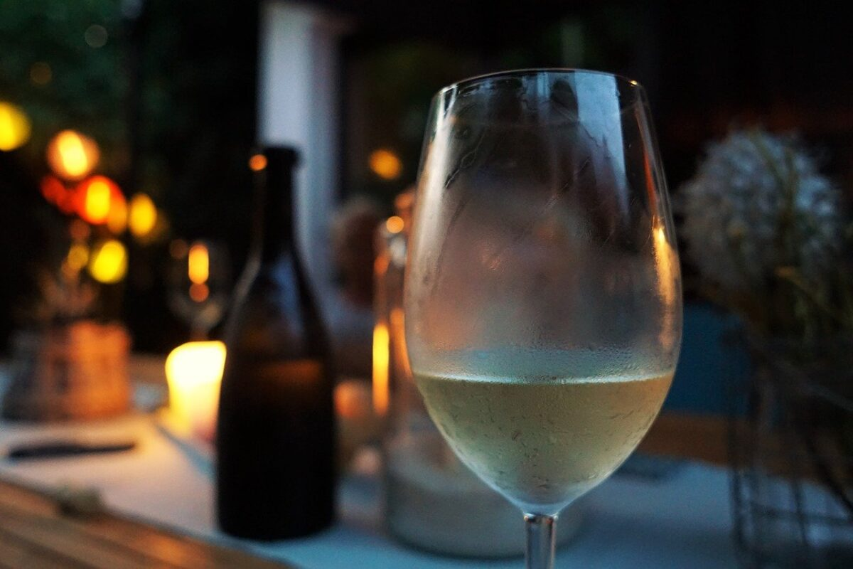 Cheers! Aidy & Helena's Easter Drinks Guide - Think complex white burgundies, white Rioja and bold Californians (Photo Credit: Felix Wolf Pixabay)