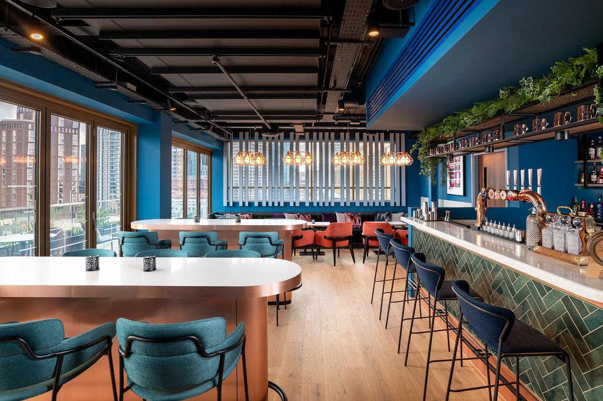 The Bar at Hyatt Place London City East (Photo Credit: Viktor Kery)