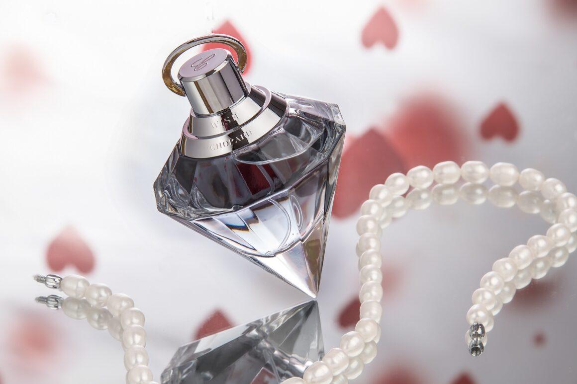 Perfumes Image by Christine Sponchia from Pixabay