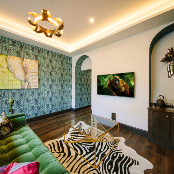 The Oasis at Absoluxe Suites offers up a luxurious hot tub stay with African themed decor that you won't forget in a hurry!