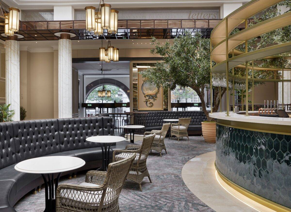 The brand new Midland Lounge located in the lobby is the perfect spot for champagne and cocktails in a glamorous setting
